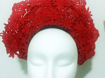 For Rent: Beautiful red lace crown