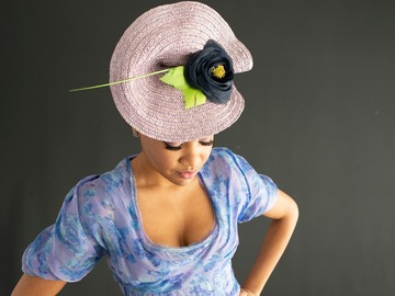 For Rent: Mauve Percher with navy and green