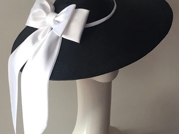 For Rent: Large Dior hat with satin bow