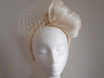 For Rent: Ivory silk abaca turban with veiling